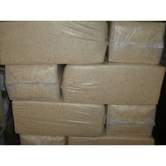Pallet Alley Pallet of 18 Woodchip Bales/Horse Bedding