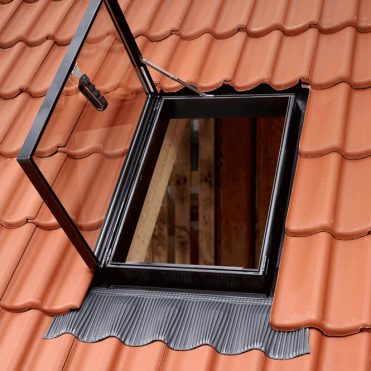 GVT 103 0059Z 54 x 83 Side Hung Rooflight